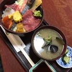 巣鴨三浦屋 - 三浦丼(味噌汁付き) 1130円