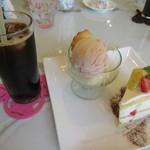 カフェ ピーチェ - 料理写真:【ケーキセット 570円】