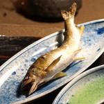 牛のよたれ - 鮎の塩焼き