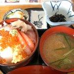 味処 日本海食堂 - 海の幸丼 1500円