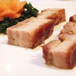 693689 - 皮付豚バラ肉のカリカリ焼き(真不同)