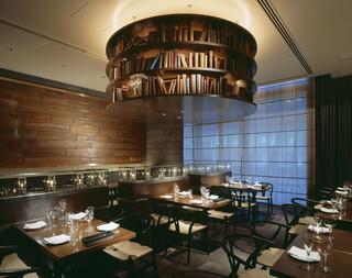 オランジェ - レストラン。カジュアルな貸し切りパーティーも楽しめます。