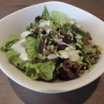 ワインバルグラングラン - ランチのサラダ