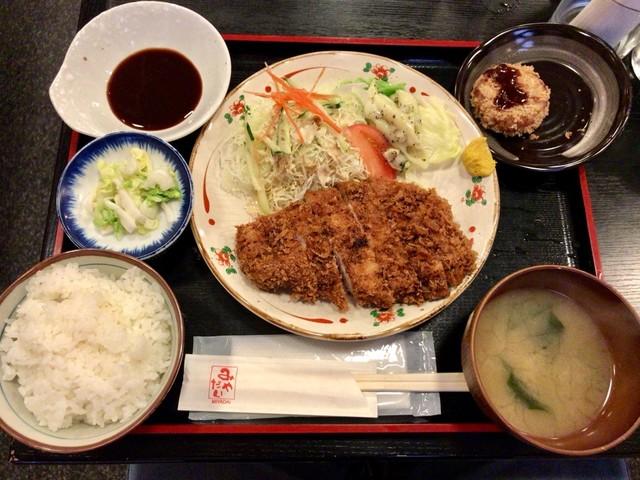 みやだい倶楽部 - ランチの「とんかつ定食」(950円)