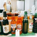 Nub - ソフトドリンクは200円、ボトルビールは500円か600円。メキシコでは?コロナよりもアミーゴらしい。