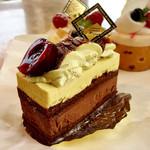 フランス菓子&カフェ ラ・ピニヨン - フォレノワールピスターシュ(MVP★キルシュチェリーはそんなにアルコール強くないです。大人味)