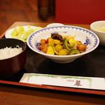 中国料理 翠 - 夏野菜とフレッシュトマト入り酢豚ランチ