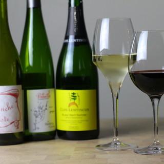世界のワインやスペインのビールetc色んなお酒を楽しめます○
