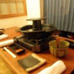 花鳥風月 - 2階の一番奥、焼き肉しゃぶしゃぶ兼用鍋