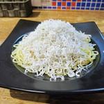 シソーノ - 釜揚げシラスのペペロンチーノ