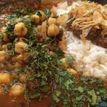 カレーノトリコ - インド風カレー  20辛 ルー大盛り チキン インド豆