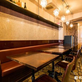 ディナー時はムード溢れる大人の空間。。デートや女子会に最適!