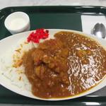 パルフェ - チキンとトマトのカレーライス(大盛) 600円
