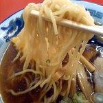 だるま軒 - 麺のアップ