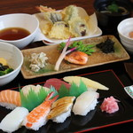 お寿司屋 原田 - 料理写真:にぎり・天ぷら御膳 2000円 (税別)