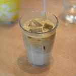 パン屋むつか堂カフェ - カフェラテ