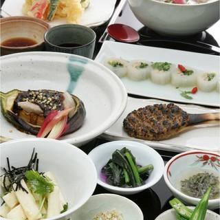 日本酒に合う料理、コース料理も楽しめます