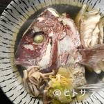 ユルリ - 旬の素材に光る職人芸『日替わり鮮魚のアラの酒蒸し』