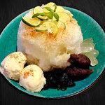 カフェ マラッカ - すだちのアイスカチャン(東南アジアかき氷)小梅うさぎのアイスカチャンかき氷
