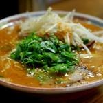 らーめん与壱 - 辛味噌ラーメン750円