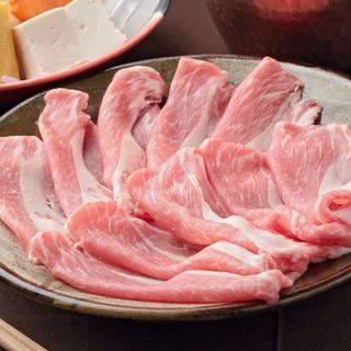 白金豚、やんばる島豚、…熟成した銘柄豚しゃぶが絶品!
