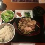 個室ジンギスカン 虎ノ美羊 - たっぷり野菜のジンギスカンランチ、950円
