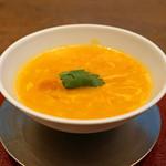 69345234 - 清湯スープ ベースのトマトの卵とじスープ