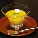 俵屋旅館 - とろっとろに柔らかくて口当たりがナイーブなマンゴーのジュレ。
