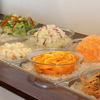 野菜食べ放題サラダバー