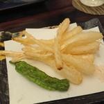 極 神楽 - 島らっきょうの天ぷら