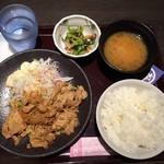 黄金の蔵 - 生姜焼き定食はごはん・みそ汁付きで税込600円