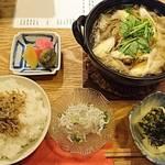 椿 - 山形芋煮定食    トップアングル