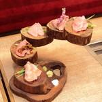 恵比寿焼肉寿司 別邸 - 牛肉刺し盛り合わせ五種