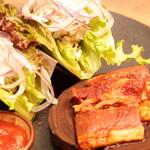 恵比寿焼肉寿司 別邸 - 牛タコス包み