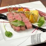 創作イタリアン 丹治 - 料理写真:和牛フィレ肉のステーキ 煉瓦仕立て