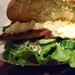 yummy - ハムカツとタマゴサラダのサンドイッチ