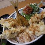 6937036 - (2011/1月)「小田原あじ天丼」横から見たところ