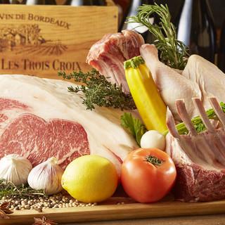 仔豚・若鶏・イベリコ豚などをはじめ本場スペインの食材を使用。
