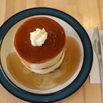 カフェ楓荘 - 楓荘のホットケーキ。分厚くてふわふわ。大人気です。