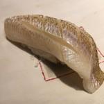 第三春美鮨 - 白鱚 75g 昆布〆 刺し網漁 千葉県竹岡