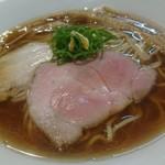 ラーメン リュウグウジョウ - 料理写真:透き通るスープの煮干しそば