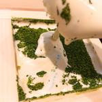 69385364 - とろ〜りの抹茶ティラミス                       何度も撮り直しであまり美しくない。