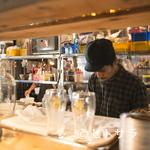 シロクマ - 厨房前のカウンター席は、タイ屋台の雰囲気をより感じられます