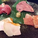 69389681 - 日本酒に合う肉盛り