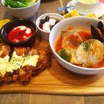 69393603 - 芽キャベツと魚介のトマト煮