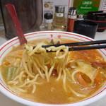 蒙古タンメン中本 - 蒙古タンメン(麺リフト)