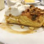 幸せのパンケーキ - 紅茶ミルクパンケーキ 自家製グラノーラかけ