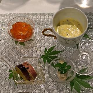 ラ・ビュット・ボワゼ - 料理写真:丹沢 秦野の初夏のアミューズブーシュ