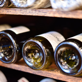 常時150種類以上を揃えるシェフこだわりのワイン