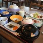 ホテル奥田屋 - 料理写真: